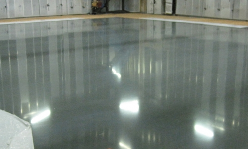 Sealed-commercial-concrete-flooring-and-products-for-warehouse-500x300_c